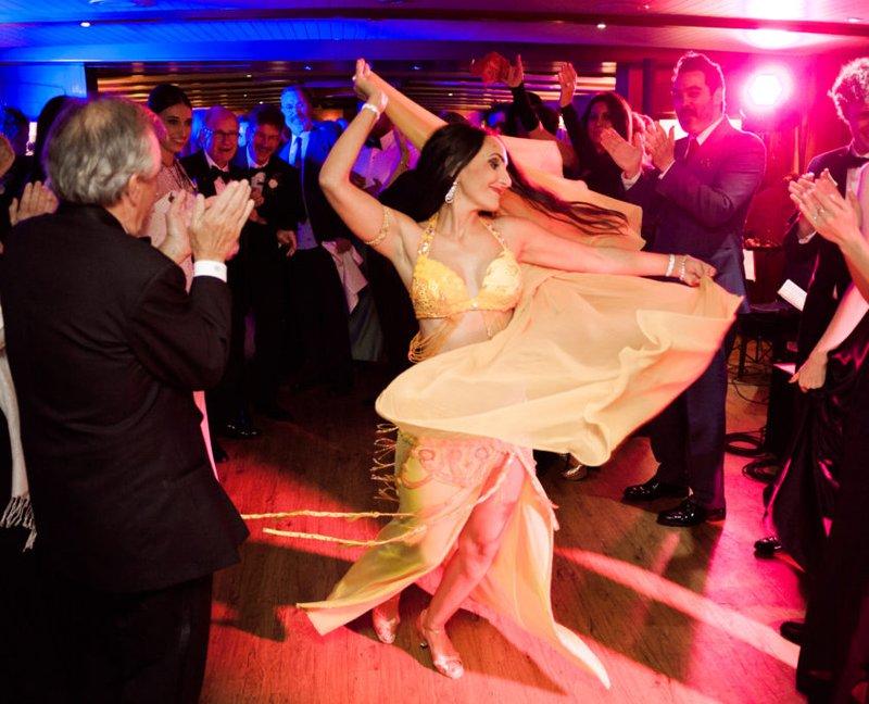 Buikdansers - Real Wedding - Elisabeth & Bill - Gert huygaerts - House of Weddings