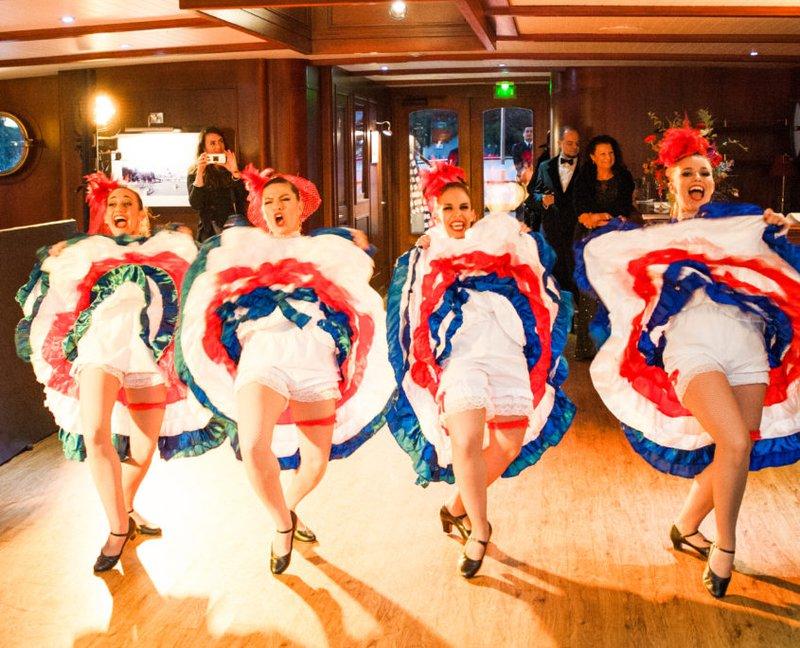 CanCan danseressen - Real Wedding - Elisabeth & Bill - Gert huygaerts - House of Weddings