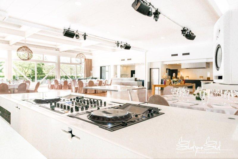 Lichtrijke feestzaal in Antwerpen - Hof ter Delft - House of Weddings