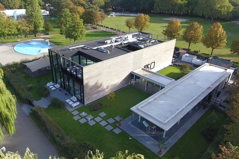 Kunstige, moderne locatie in Antwerpen - KAS - House of Weddings