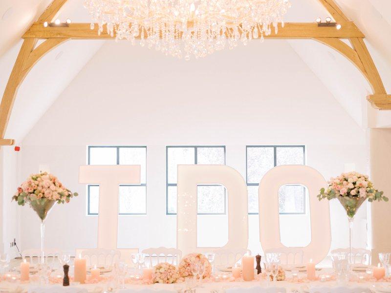 Het sprookjeshuwelijk van haar dromen... - Stephanie & Pieterjan - Fotograaf: Gert Huygaerts - House of Weddings