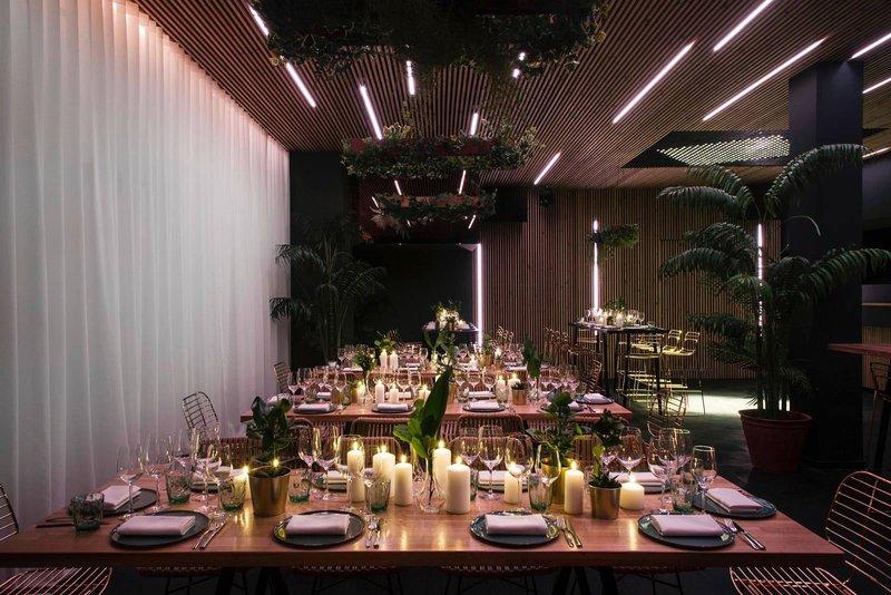 Calypso: moderne nieuwe trouwlocatie met uitzicht op zee en strand en mogelijkheid tot interne catering. Gelegen te Knokke, West-Vlaanderen.- House of Weddings