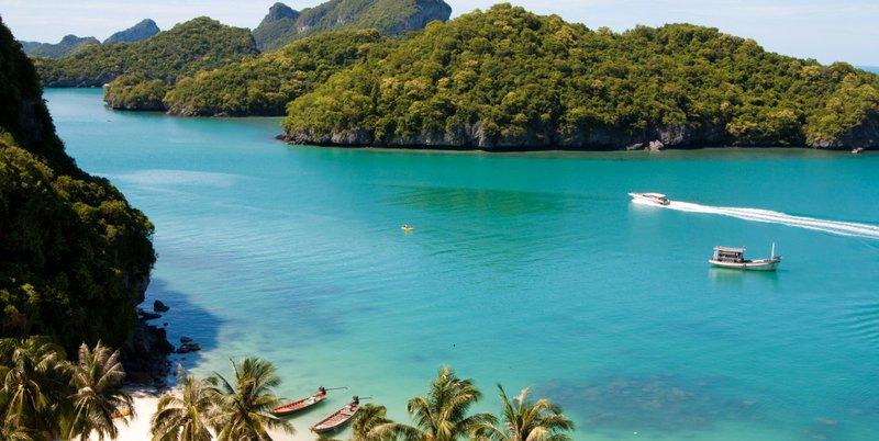 http://www.istockphoto.com/file_thumbview_approve/10409635/2/istockphoto_10409635-beautiful-paradise-beach-on-angthong-national-park-koh-samui-thailand.jpg