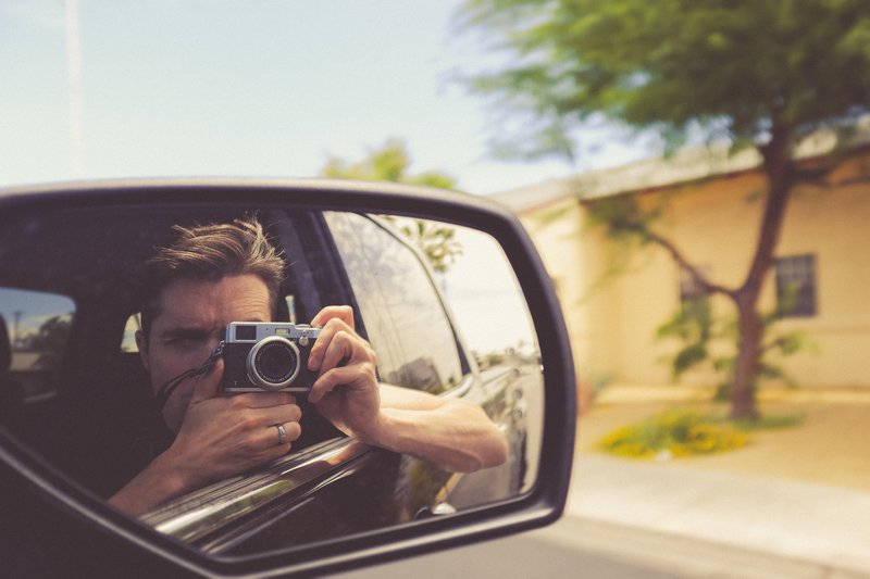 passenger mirror selfie