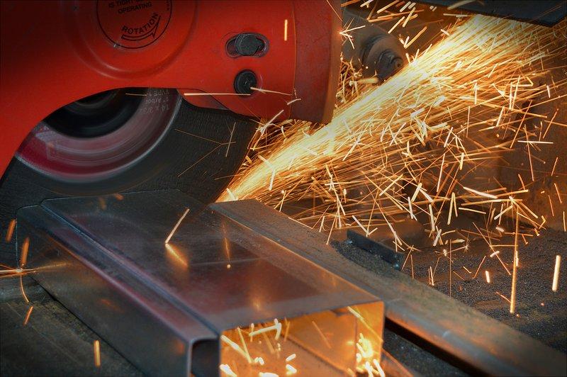Das Versorgungswerk Metallrente bietet als betriebliche Altersversorgung (bAV) die MetallDirektversicherung oder den MetallPensionsfonds an.