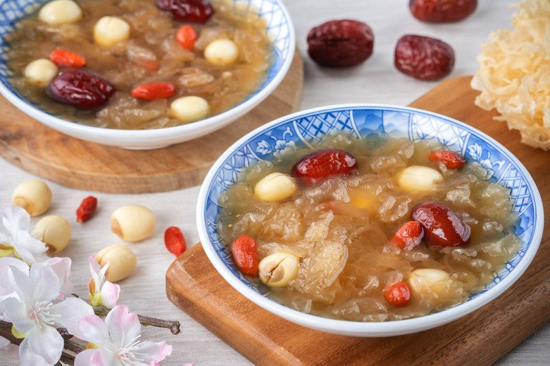traditional chinese sweet tremella soup
