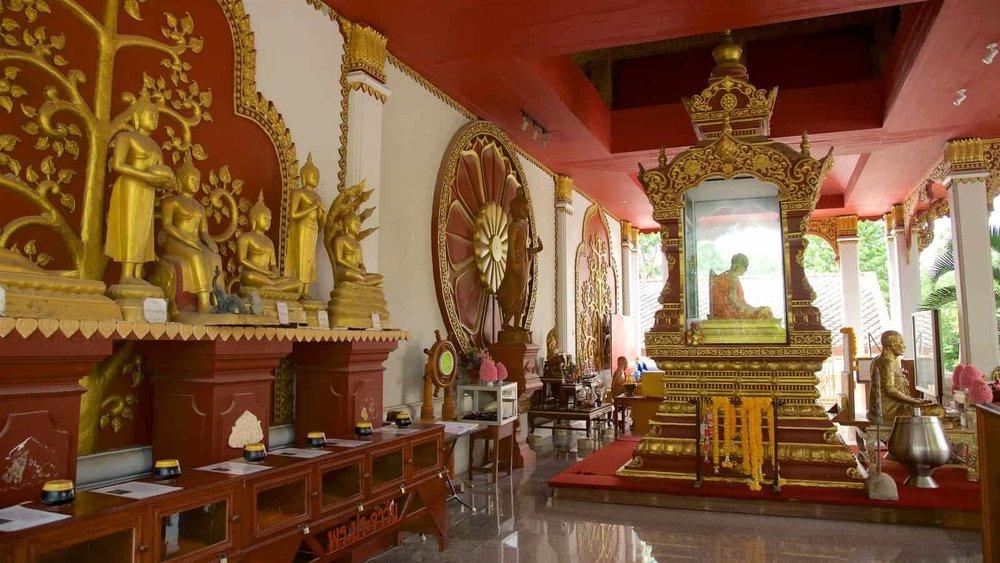 Wat Khunaram - 5 Beautiful Koh Samui Temples