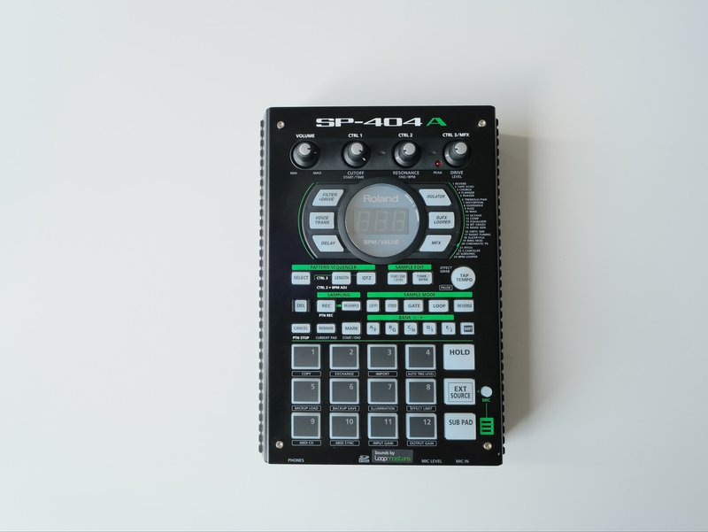 Roland SP-404A