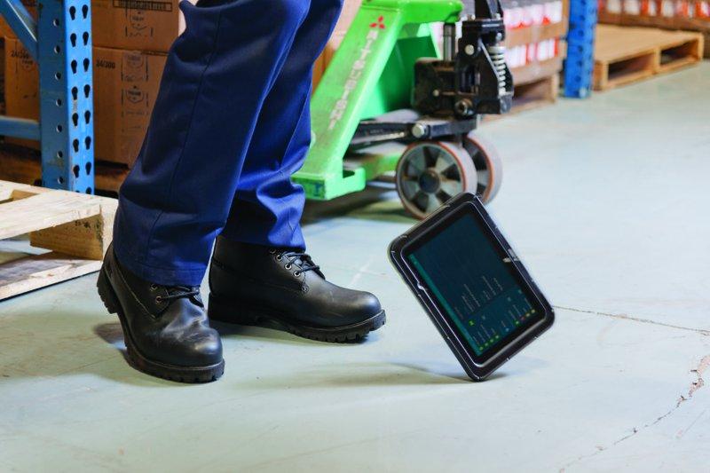 Zebra E10 tablet being dropped onto concrete