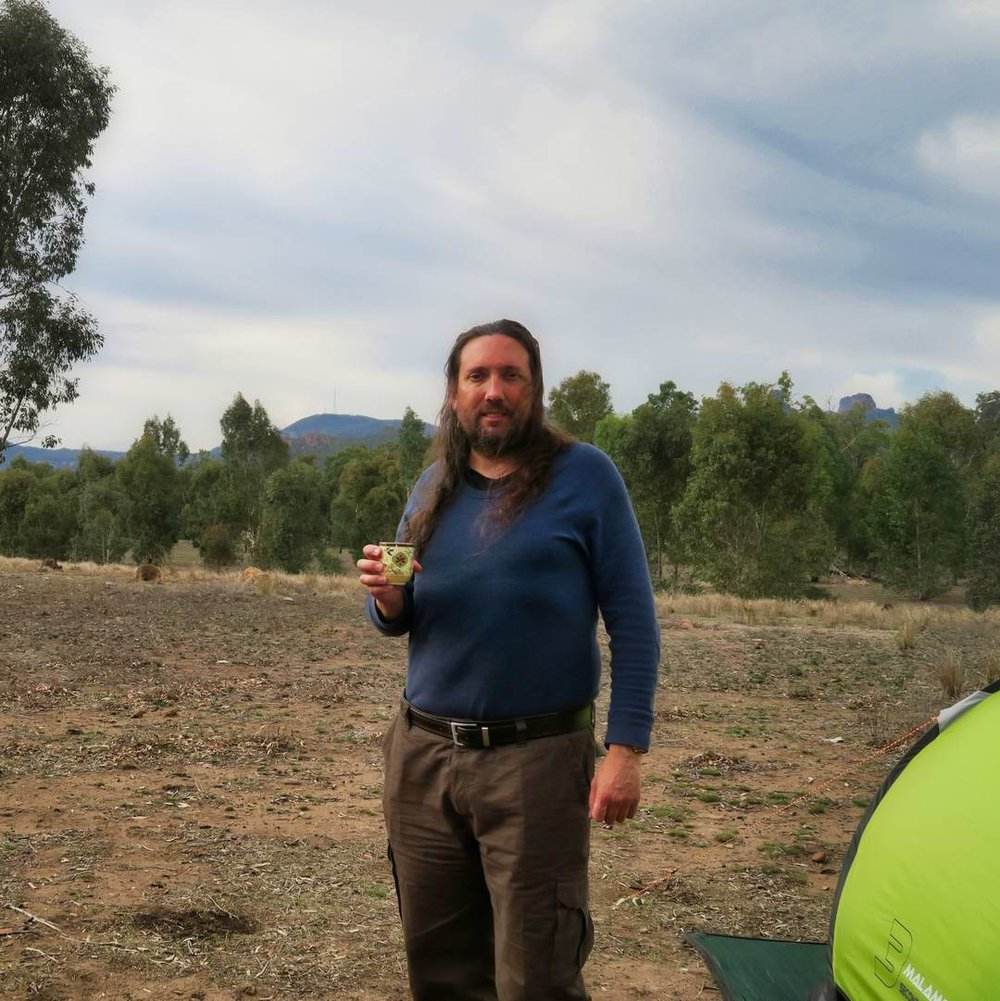Camping with Kangaroos in Coonabarabran (I love alliteration). Note the green tea - might not have shaved, but no reason to be uncivilized!