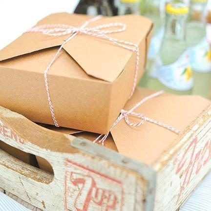 eten en drinken op een bruiloft: doosjes voor overschotjes