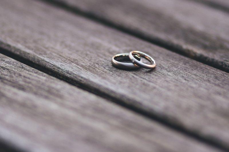 Huwelijkstradities: trouwringen