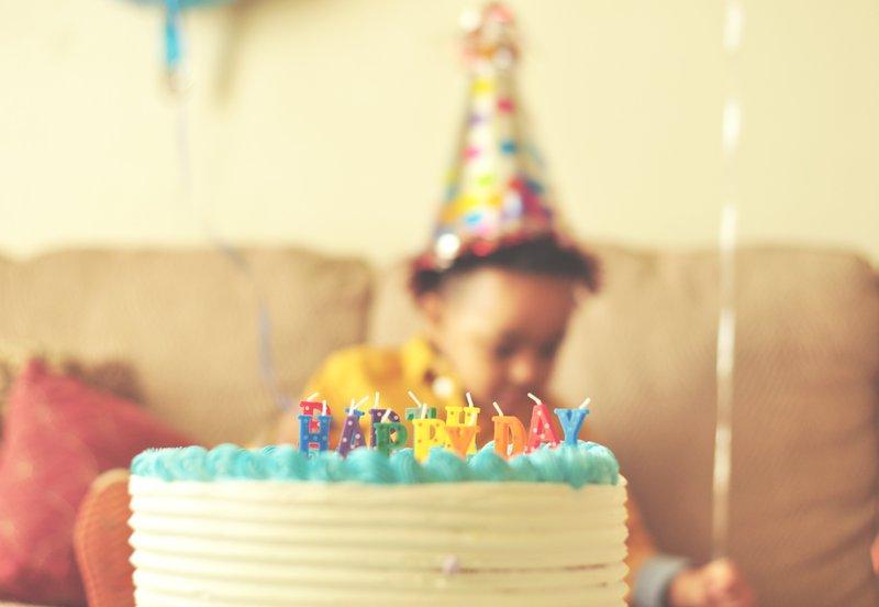 Geschiedenis van de verjaardag, tradities en verjaardagscadeaus