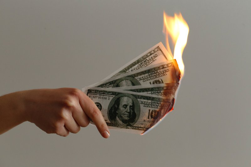 raise and burn the VC money