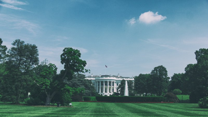 White House and green trees reveal a destiny - Aingeal Rose & Ahonu