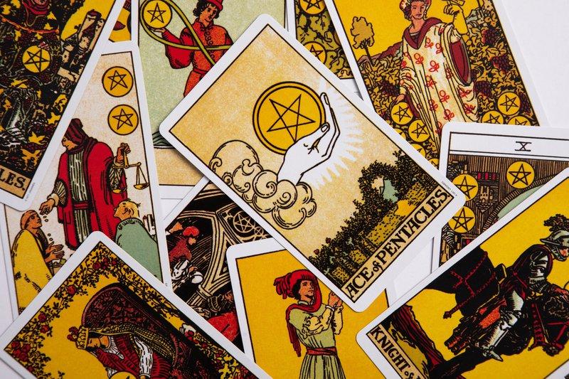 The Tarot Deck - Aingeal Rose & Ahonu