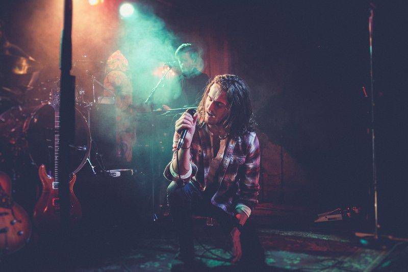 Kneeling singer