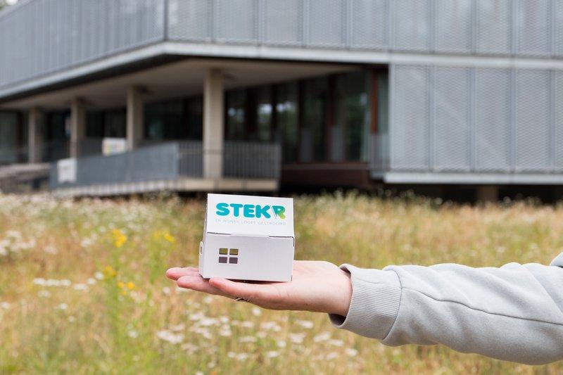 Een miniatuurhuisje van Stekr, hét aanspreekpunt voor gratis advies op maat van je woning