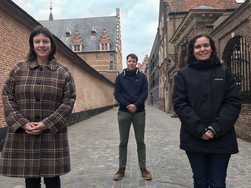 Evelien Impens, Joost Crauwels en Lien Berben zijn renovatiecoach voor Stekr