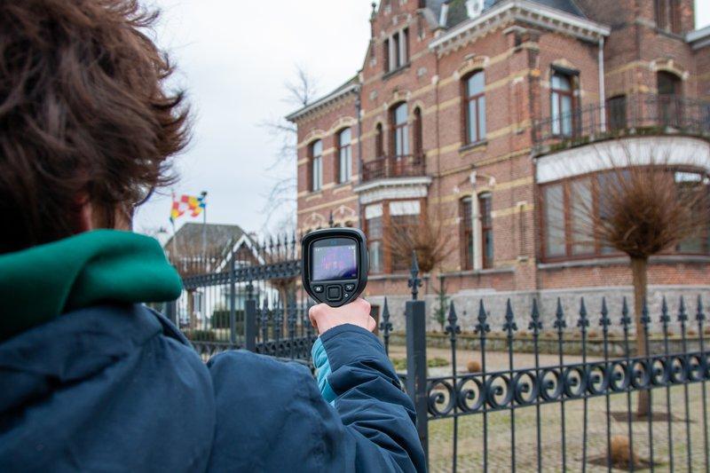 De leerlingen van het LAB-Gedreven Onderwijs gingen in Sint-Amands op zoek naar warmteverliezen