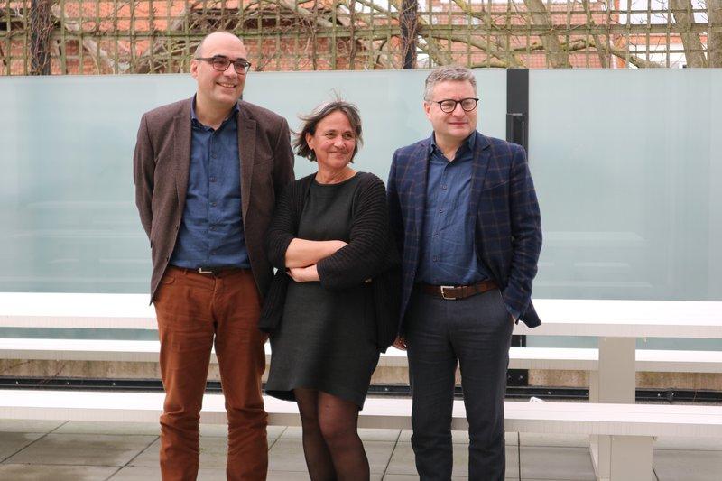 Peter De Bruyne (algemeen directeur IGEMO), Els Cools (streekmanager IGEMO) en Koen Van den Heuvel (voorzitter regionale mandaatgroep).
