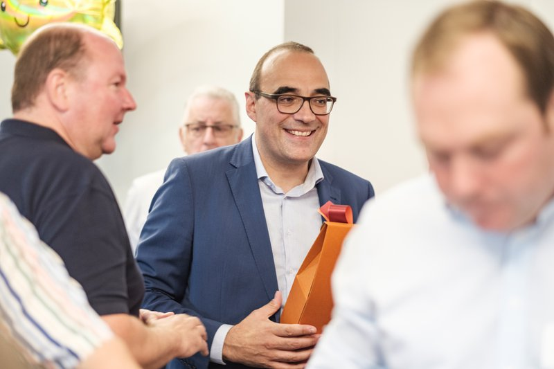 Peter De Bruyne tijdens de feestelijke heropening van het IGEMO-hoofdkantoor in 2019