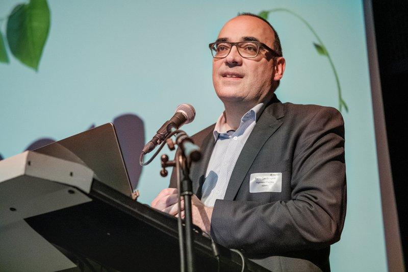 Peter De Bruyne, algemeen directeur van IGEMO, aan het woord tijdens de Staten-Regionaal