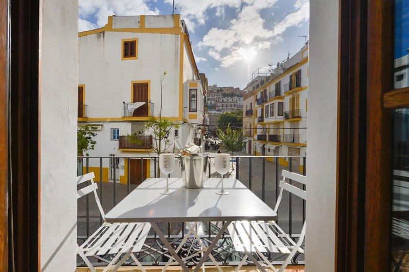 Ibiza Old Town Gay Apartment