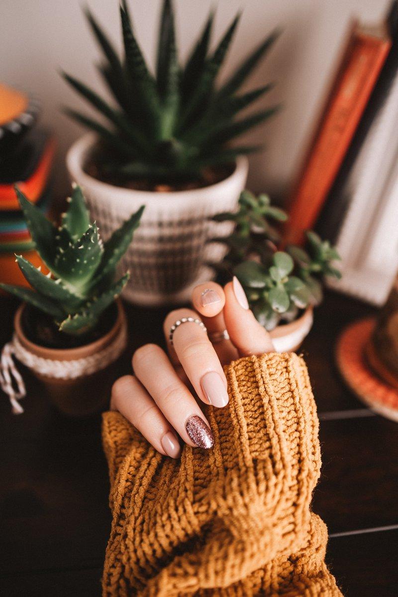 purple oval manicure —