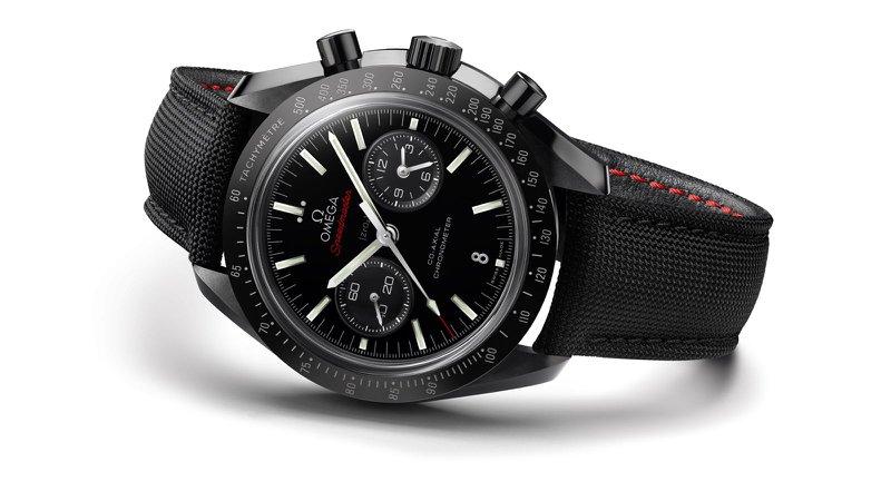 "Zwarte horloges: Omega Speedmaster Moonwatch ""Dark side of the moon"""