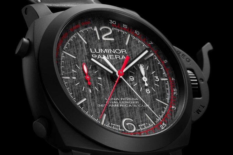 Panerai horloges: Het Panerai horloge Luminor Luna Rossa Chrono Flyback (PAM01037) met chronograaf