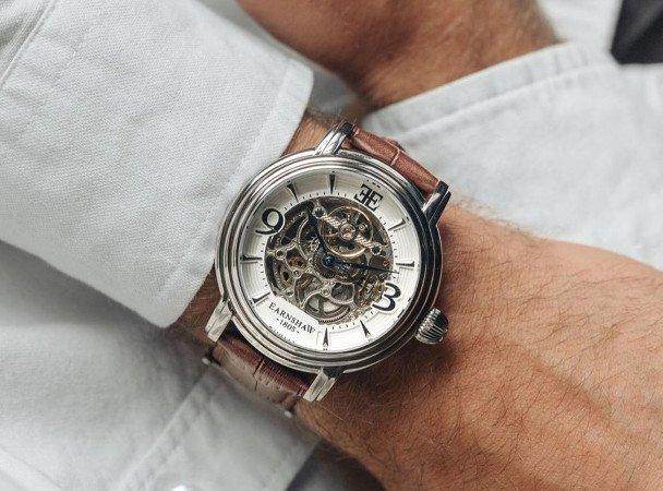 Pols grootte van man is wat ruimer - voorbeeld Thomas Earnshaw 1805 horloge