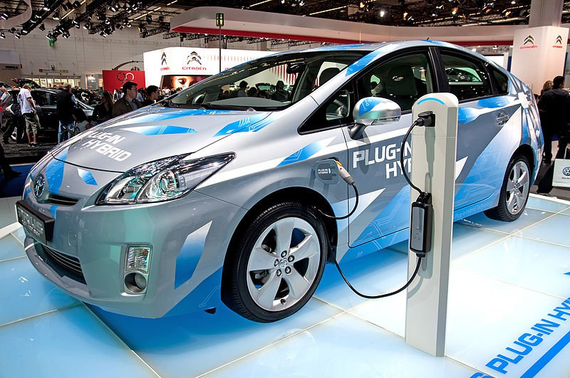Gilbert-International-Electric-Vehicle-(EV)-used-as-an-alternative-of-energy-conservation-of-oil