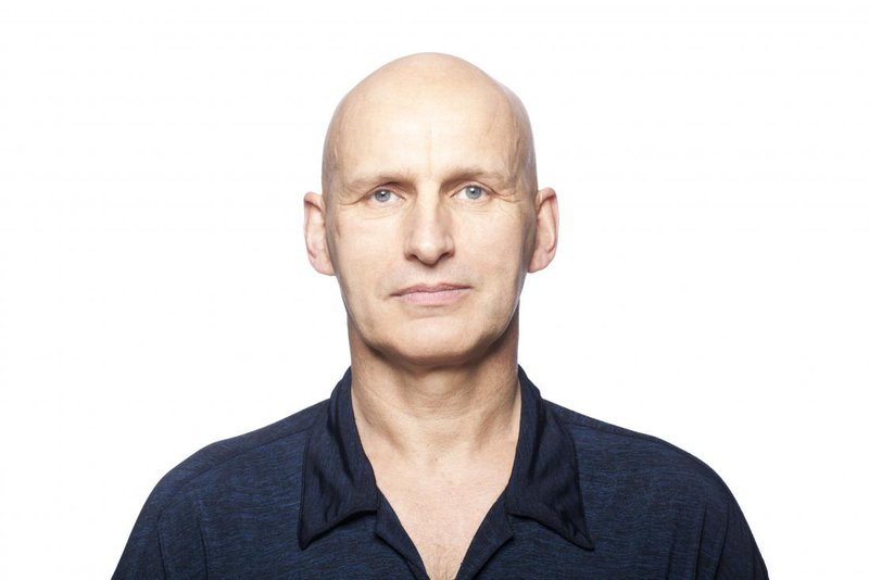 alopecia universalis Alopecia Universalis (AU) – What Is It? man with alopecia universalis completely bald 27b648ef8b89c92076d0eb32893d79e5 800