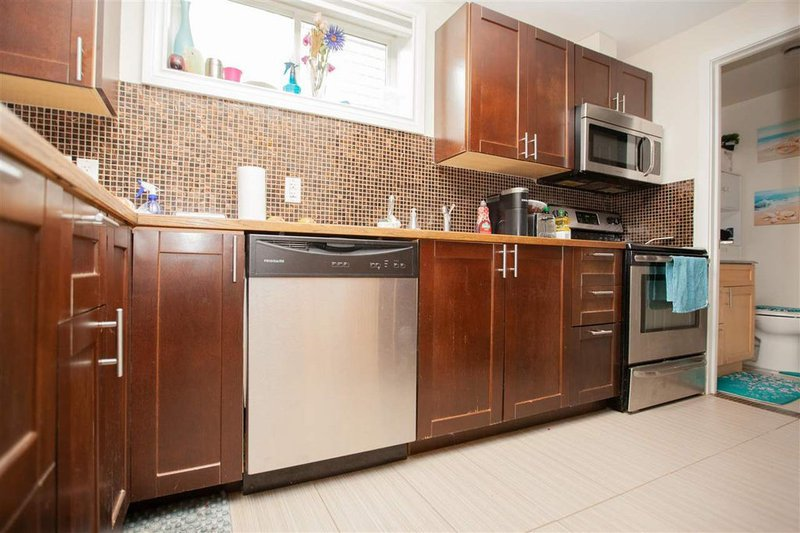 alberta avenue house for sale with legal suite