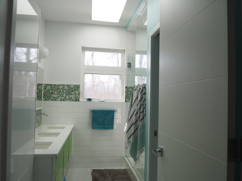 bathroom with standing tub