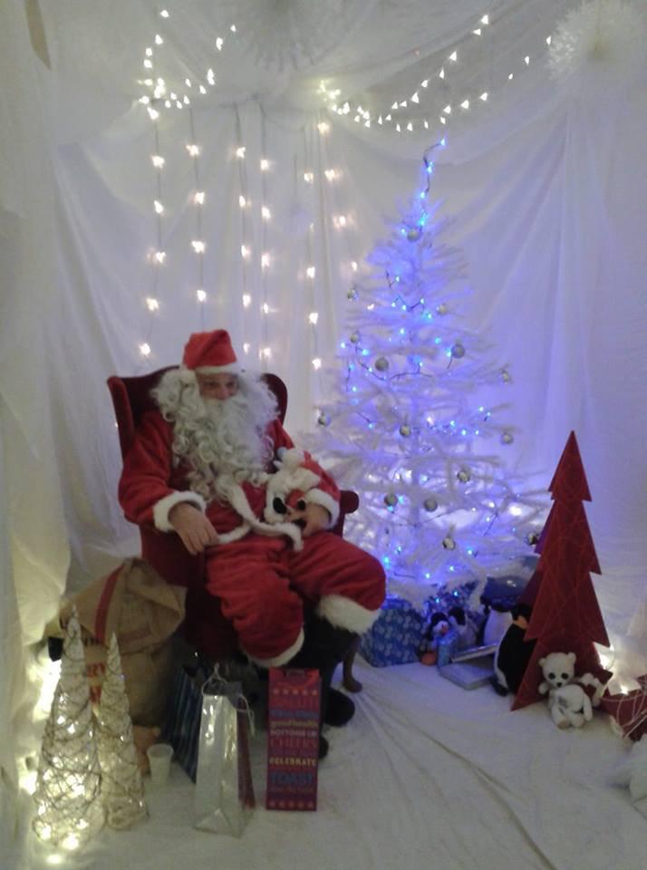 White Christmas at Santa's Grotto in Greenway Academy, Horsham!