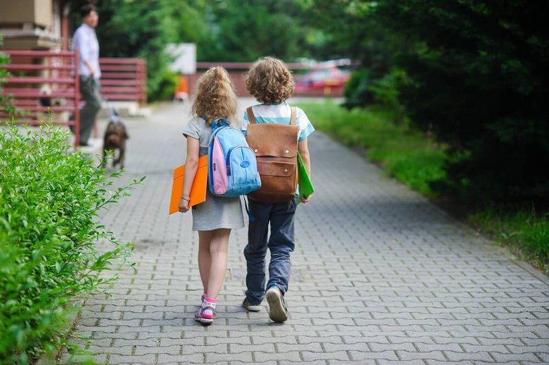 kinderen naar school - Konvert