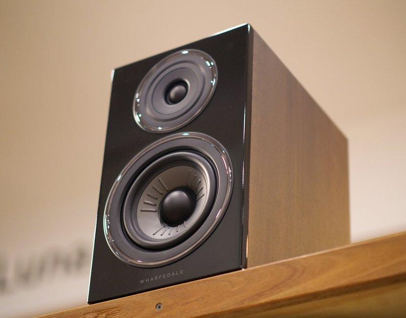 diamond 12.2 bookshelf speakers