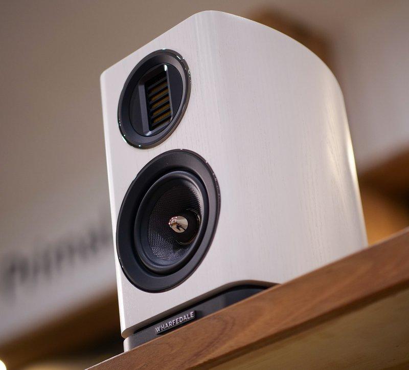 evo 4.1 bookshelf speakers