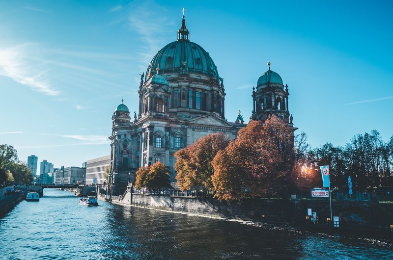 monument of berlin in autumn