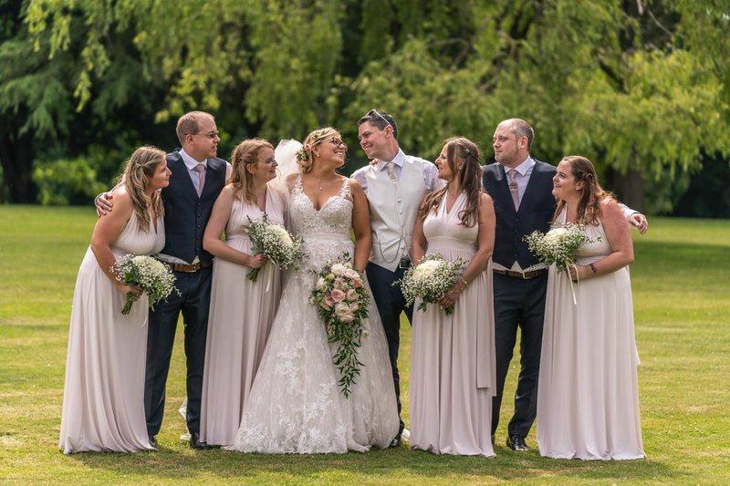 group wedding photos - the wedding party