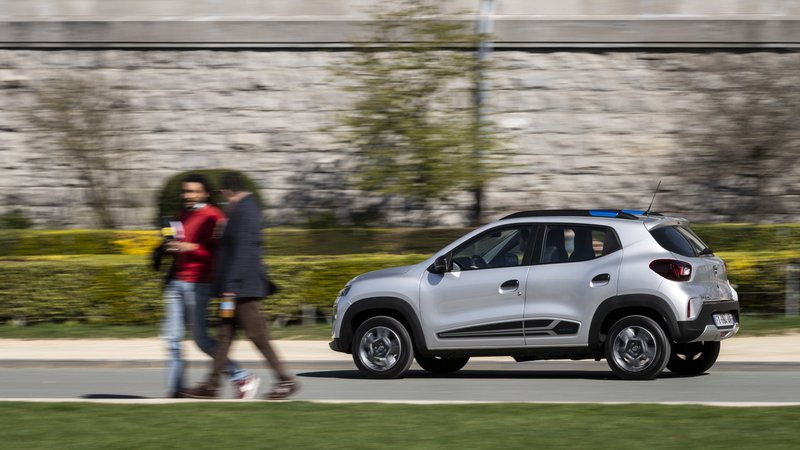 Dacia Spring, Brussel