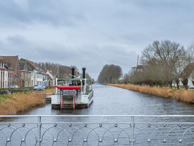 Bruges arrière-pays -Brugse Omeland-Damme-bâteau-vaart