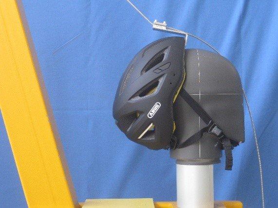 test afglijrisico fietshelm