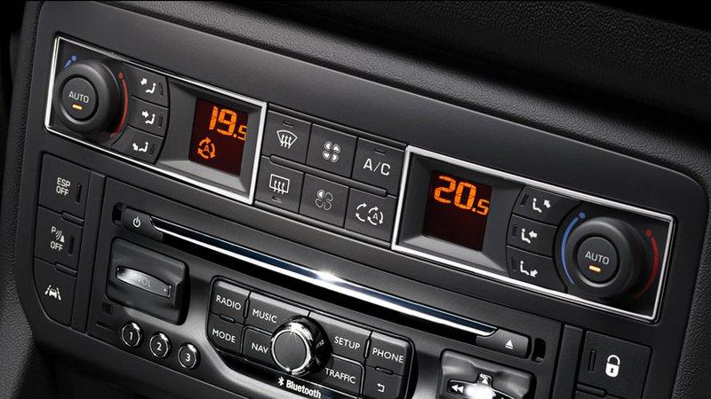 Coupez la climatisation si votre voiture en dispose