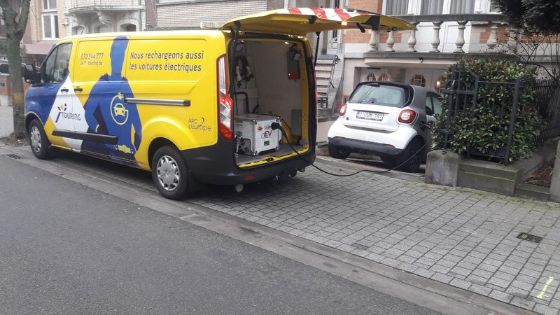 Camionnette EV Booster Touring