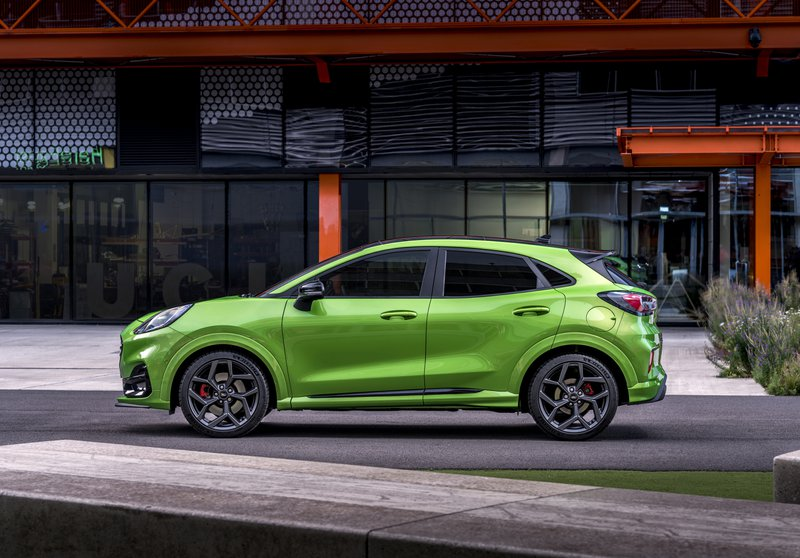 The all-new Ford Puma ST introduces acclaimed Ford Performance driving dynamics to the compact SUV segment for the very first time in Europe.