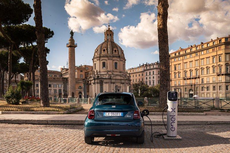 Voiture électrique Fiat 500 e