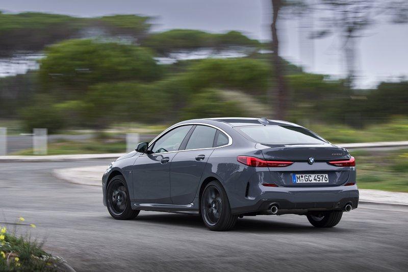 Zelfs met voorwielaandrijving biedt de 2 Reeks Gran Coupé het typische BMW-rijplezier